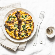 NJBC Eats: Spinach, Mushroom, Onion and Mozzarella Omelet